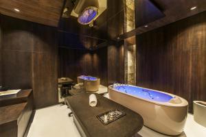 Ванна кімната в Maxx Royal Kemer Resort