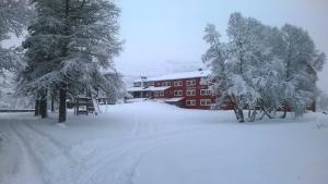 Vatnahalsen Høyfjellshotell during the winter