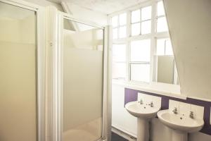 A bathroom at Hatters Manchester