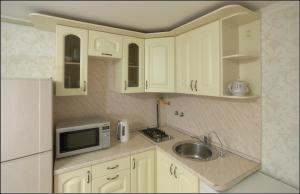 Кухня или мини-кухня в Апартаменты Большая Морская 31