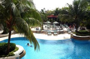 Uitzicht op het zwembad bij Hilton Petaling Jaya of in de buurt