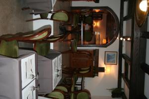 Ein Restaurant oder anderes Speiselokal in der Unterkunft Hôtel Restaurant La Plage