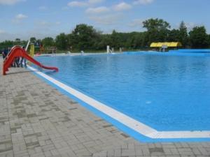 Bazén v ubytování Penzion Oáza nebo v jeho okolí