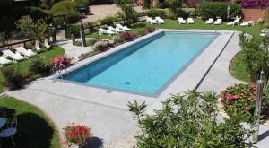 Vue sur la piscine de l'établissement Les Bungalows de Figha ou sur une piscine à proximité