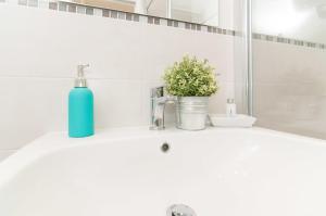 Salle de bains dans l'établissement Bye Bye Roma Pantheon Suite