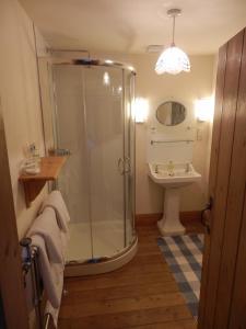 Ванная комната в Westgate House & Barn