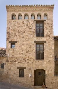 The facade or entrance of Alodia
