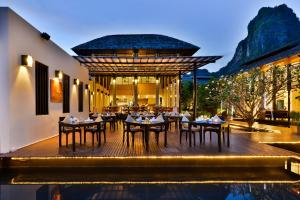 A restaurant or other place to eat at Bhu Nga Thani Resort & Spa