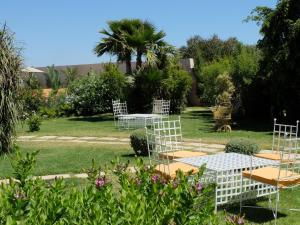 A garden outside Les Cyprès