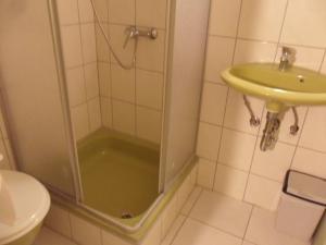 Ein Badezimmer in der Unterkunft hotel funk