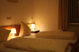 Ein Bett oder Betten in einem Zimmer der Unterkunft hotel funk