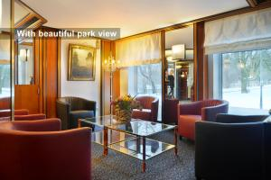 The lobby or reception area at Ambassador Parkhotel