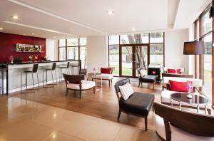 The lobby or reception area at Ibis Bangkok Riverside