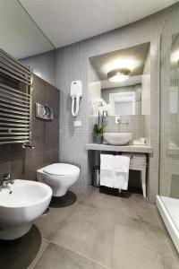 A bathroom at Residenza Scipioni Luxury B&B