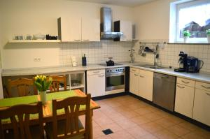 """Küche/Küchenzeile in der Unterkunft Ferienwohnung """"Ela"""""""
