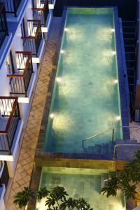 A view of the pool at Amaris Hotel Teuku Umar or nearby