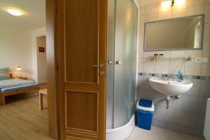 A bathroom at Ubytování Edita