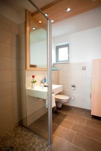 Ein Badezimmer in der Unterkunft Müritzperle