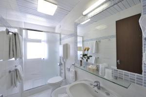 Koupelna v ubytování Hotel Eros