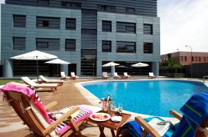 Der Swimmingpool an oder in der Nähe von Hotel Nuevo Boston
