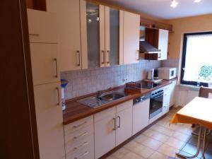 Küche/Küchenzeile in der Unterkunft Ferienwohnung Eifelluft
