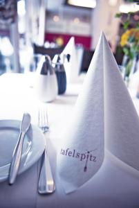 A restaurant or other place to eat at Tafelspitz