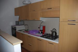 A kitchen or kitchenette at B&B Eolo