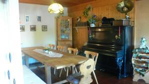 A restaurant or other place to eat at Landhotel Sperlingsberg