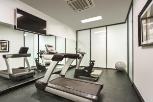 The fitness center and/or fitness facilities at Quest Woolloongabba