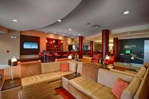 The lounge or bar area at Courtyard Wall at Monmouth Shores Corporate Park