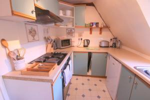 A kitchen or kitchenette at St. Peters Street