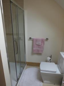 A bathroom at Ceol Na Mara