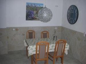 Ein Restaurant oder anderes Speiselokal in der Unterkunft Endbach-Life