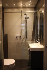 Salle de bains dans l'établissement B&B Keizers Canal