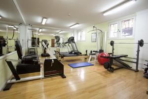 The fitness center and/or fitness facilities at Hotel Canal Beagle