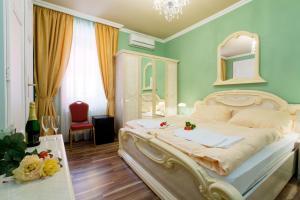 Posteľ alebo postele v izbe v ubytovaní Hotel Bow Garden