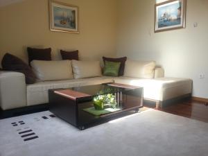 A seating area at Villa Jelena