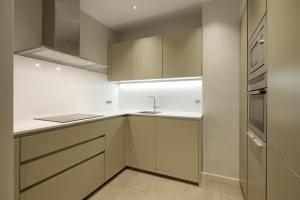 A kitchen or kitchenette at Easo Suite 1 by FeelFree Rentals
