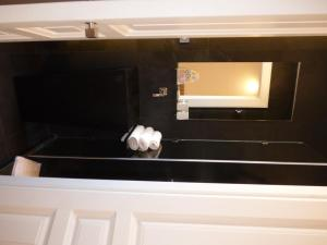 A bathroom at Arthur Properties Croisette