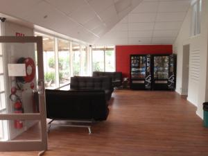 The lobby or reception area at Mclaren Vale Budget Accommodation