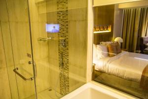 A bathroom at Lakeshore Banani