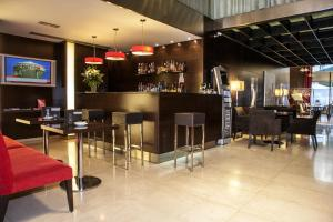 The lounge or bar area at Hotel Zenit Bilbao