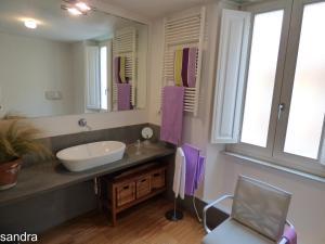A bathroom at Innoi