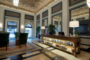 The lobby or reception area at Sentinel, a Provenance Hotel