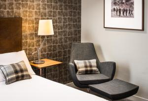 A seating area at GoGlasgow Urban Hotel by Compass Hospitality