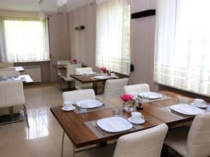 Restauracja lub miejsce do jedzenia w obiekcie 10 Bed And Breakfast
