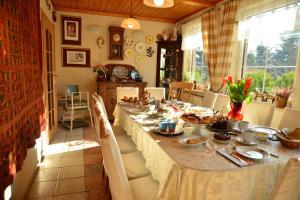 Restauracja lub miejsce do jedzenia w obiekcie Pensjonat B&B Nad Rudawą