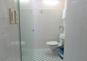 A bathroom at Thao Nhi Hotel