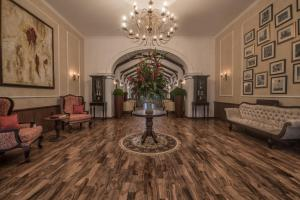 The lobby or reception area at Uga Residence