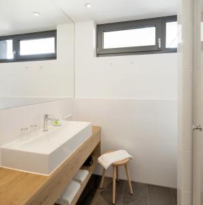 A bathroom at Hotel M120